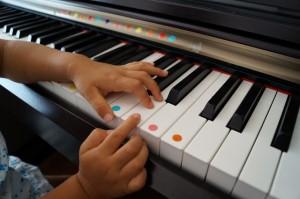 ピアノ子ども